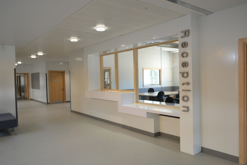 Buy Best High Quality Hospitals,Laboratories & Clinics Vinyl Flooring in dubai ,abu dhabi across UAE at best price